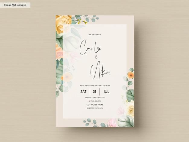 Diseño floral de la invitación de la boda del dibujo de la mano hermosa