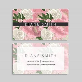 Diseño floral de la plantilla de la tarjeta de visita en el fondo blanco