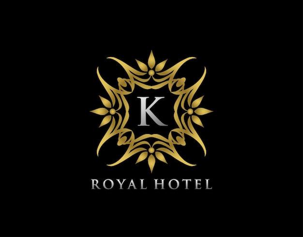 Diseño de insignia floral de lujo para royalty letter stamp boutique hotel heráldica joyería boda