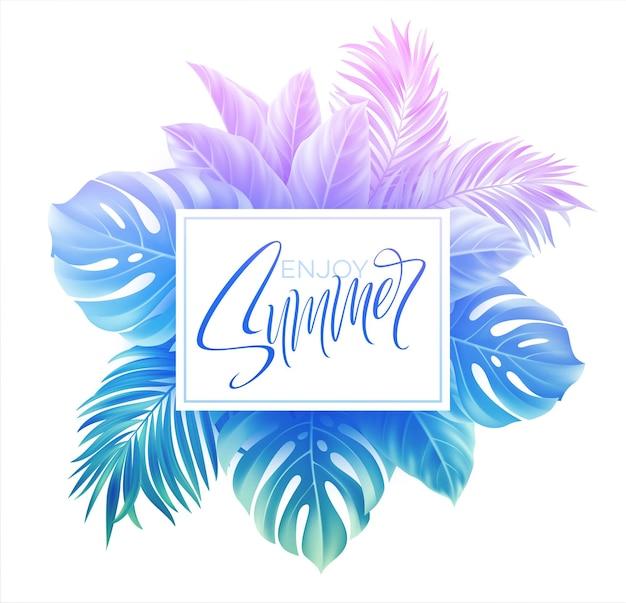 Diseño de letras de verano en un colorido fondo de hojas de palmera azul y púrpura.