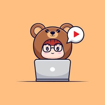 Diseño de linda chica con traje de oso viendo películas en la computadora