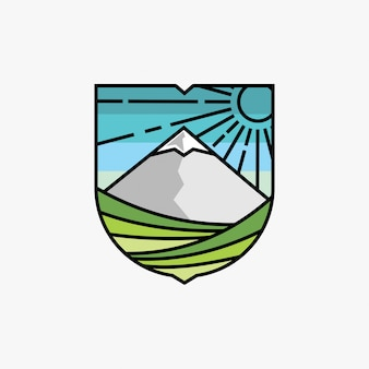 Diseño de logo de montaña y viñedo inspirado.