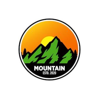 Diseño de logo de montaña