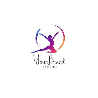 Diseño de logo de mujer fitness