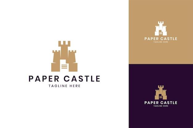 Diseño de logotipo de espacio negativo de castillo de papel