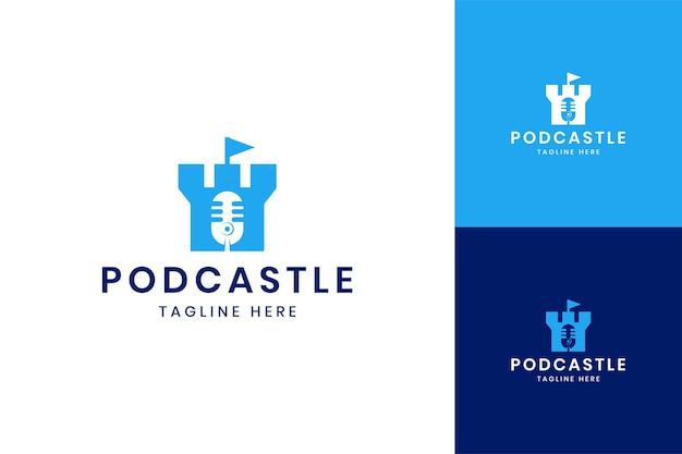 Diseño de logotipo de espacio negativo de castillo de podcast