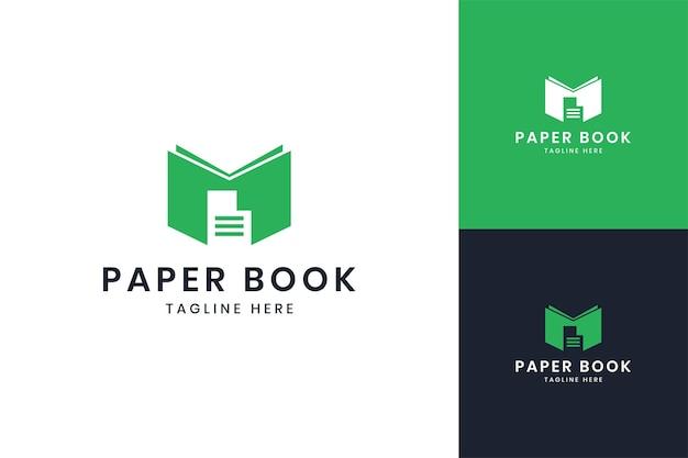 Diseño de logotipo de espacio negativo de libro de papel