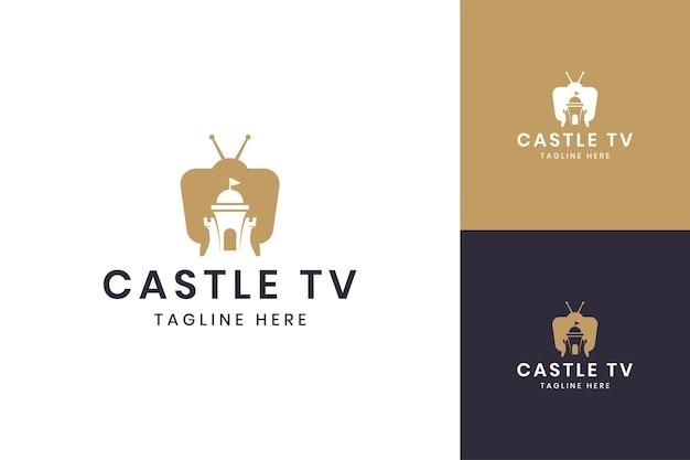 Diseño de logotipo de espacio negativo de televisión de castillo