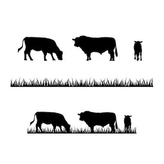 Diseño de logotipo de granja de silueta de granja de vaca y pasto de vaca angus