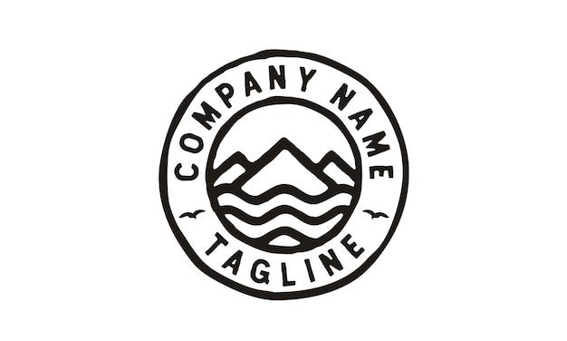 Diseño de logotipo de hipster mountain sea