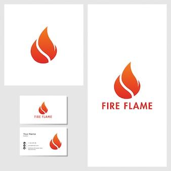 Diseño de logotipo de llama de fuego con maqueta de tarjeta de visita