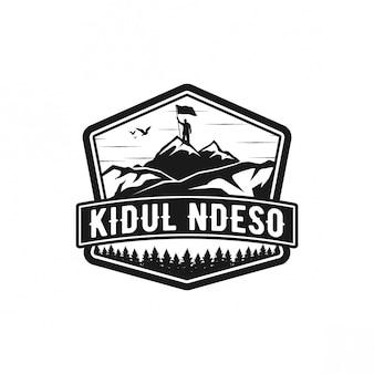 Diseño de logotipo pico montaña
