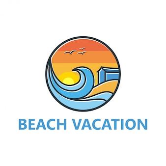 Diseño de logotipo de playa para viajar y al aire libre.