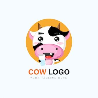 Diseño de logotipo de vaca lindo