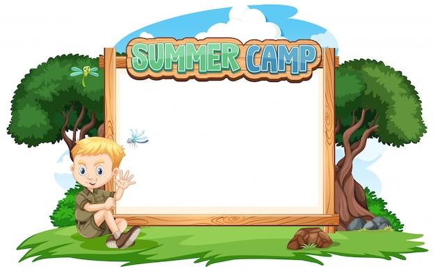 Diseño de plantilla de borde con niño en el campamento de verano