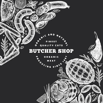 Diseño retro de productos cárnicos vector. dibujado a mano jamón, embutidos, especias y hierbas. ingredientes alimentarios crudos. ilustración de la vendimia en el tablero de tiza.
