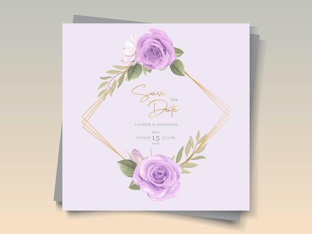 Diseño de tarjeta de boda con hermosos adornos florales florecientes.