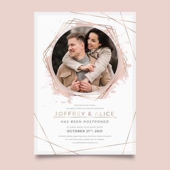 Diseño de tarjeta de boda pospuesto