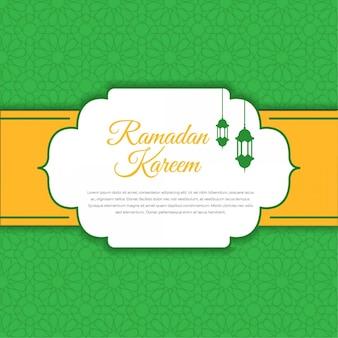 Diseño de tarjeta de felicitación de ramadan kareem con linterna.