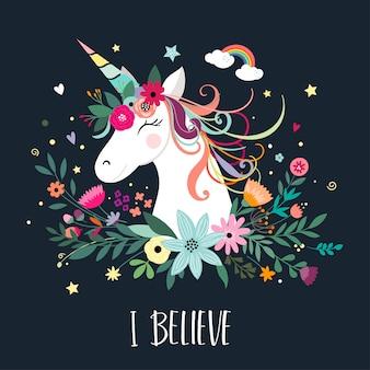 Diseño de tarjeta de unicornio con elementos dibujados a mano.