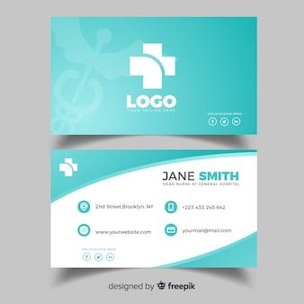 Diseño de tarjeta de visita médica en estilo flat
