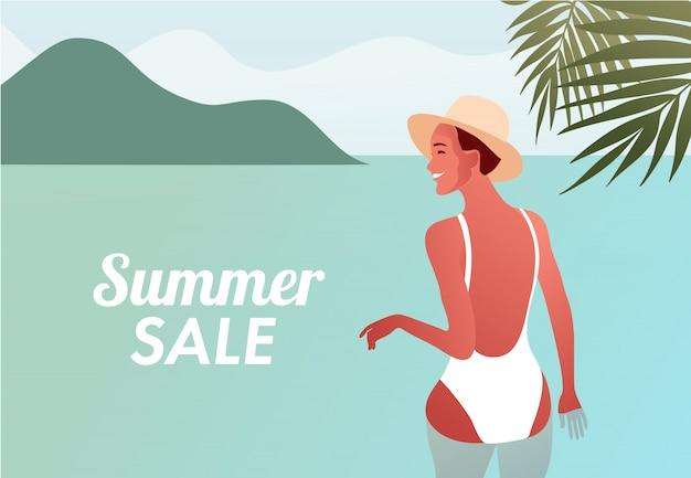 Diseño de venta de verano con sexy niña sonriente feliz en traje de baño va a nadar en el mar.