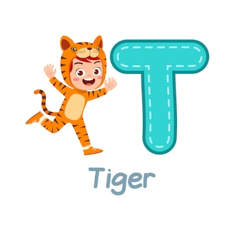 Disfraz de niño pequeño lindo para aprender el alfabeto