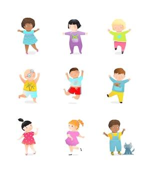 Divertido conjunto de infancia de niños y niñas.