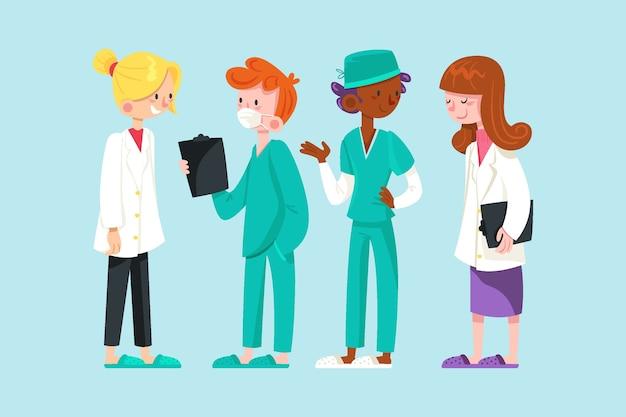 Doctores y enfermeras trabajando juntos