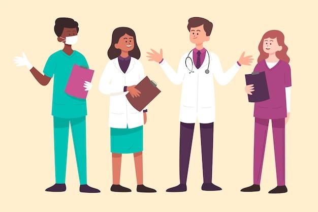 Doctores hablando y sosteniendo portapapeles