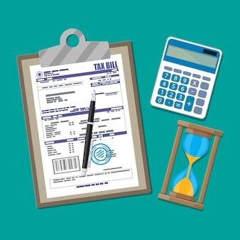 Documento de declaración de impuestos en papel