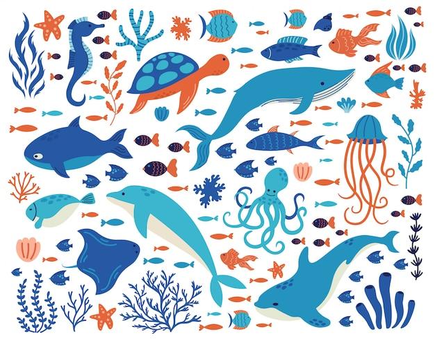Doodle animales submarinos. criaturas del océano, vida marina dibujada a mano, delfines, ballenas, tortugas, pulpos, corales, conjunto de ilustraciones de plantas marinas. mar submarino dibujo animales vida silvestre