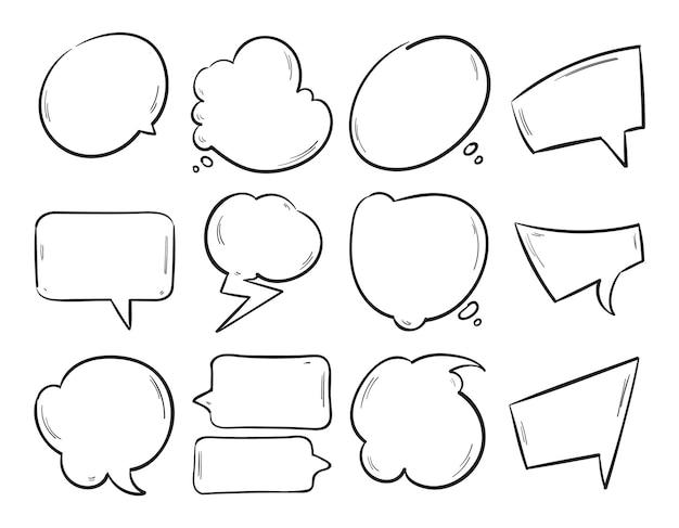 Doodle de burbujas de discurso en blanco, conjunto de formas de pensamiento de dibujos animados dibujados a mano.