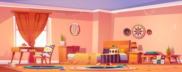 Dormitorio desordenado en estilo boho con cama, escritorio, silla, basura en el piso, manta sucia y cortinas.