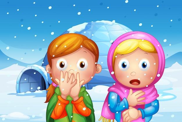 La dos chica sorprendida con copos de nieve.