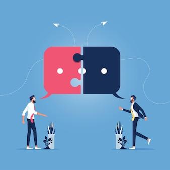 Dos empresarios con bocadillo de diálogo de rompecabezas no están de acuerdo y no logran comunicarse