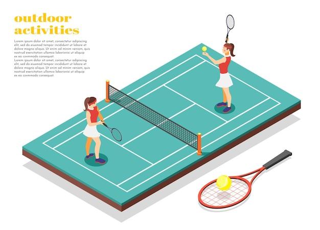 Dos niñas en traje de baño jugando al tenis en la cancha