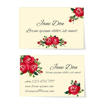 Dos tarjetas de visita diferentes decoradas con elegantes ramos de rosas rojas con follaje y capullos en un elegante diseño