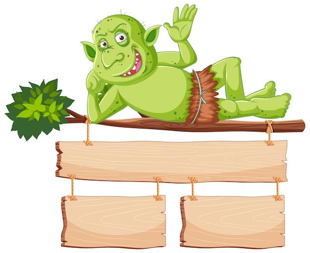 Duende verde o troll sonríe mientras está acostado árbol con pancarta en blanco en personaje de dibujos animados aislado
