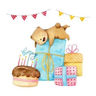 El dulce y pequeño oso polar está contento con muchos regalos grandes para la fiesta de cumpleaños.