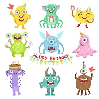Dulces monstruos felices con objetos de fiesta de cumpleaños