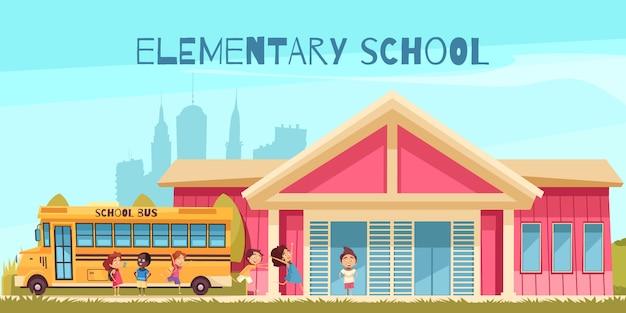 Edificio del autobús amarillo de la escuela primaria y alumnos alegres en dibujos animados de fondo de cielo azul