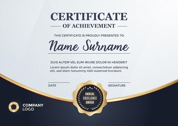 Elegante certificado con detalles dorados