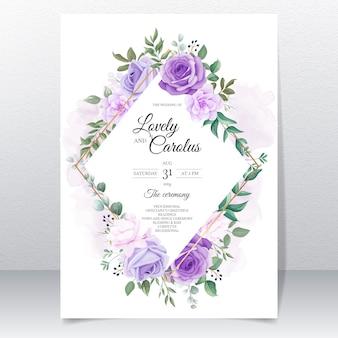 Elegante conjunto de tarjetas de invitación de boda con hermosas flores moradas