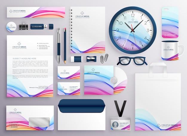 Elegante gran conjunto de artículos de papelería de negocios