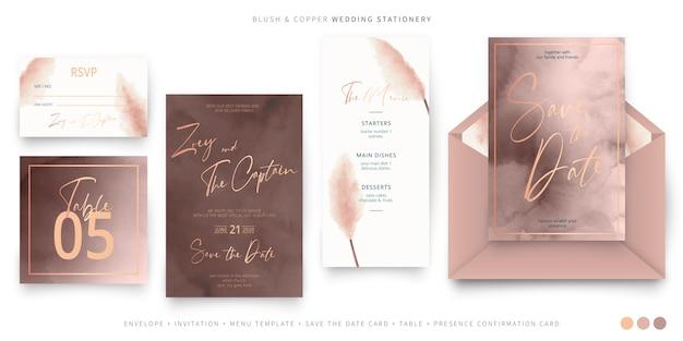 Elegante papelería de boda en rubor y cobre.
