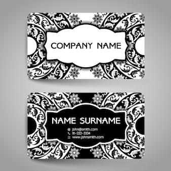 Elegante tarjeta de negocios con elementos ornamentales