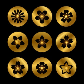 Elegantes elementos dorados con siluetas de flores.