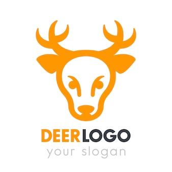 Elemento de logotipo de cabeza de ciervo en blanco