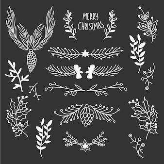 Elementos de bosquejo floral de invierno con ramitas de árbol conos baya de acebo en la ilustración de luz